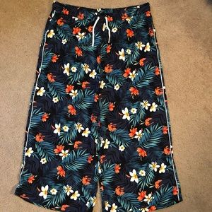 Forever 21 Cropped Hawaiian PJ pants w/ piping
